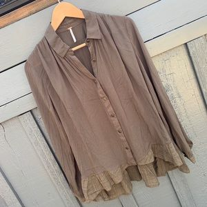 NWOT FREE PEOPLE Button Up Ruffle Hem Top